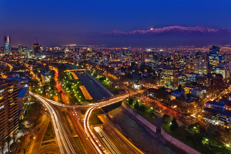 Santiago_de_Chile_de_noche